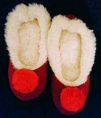 New Women's Super Soft & Cozy Slippers Size 7 El Paso, 79936