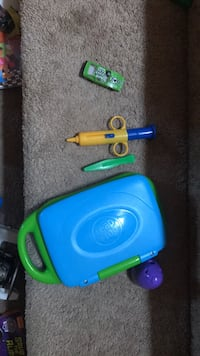 blue and green plastic toy Langley, V1M 2E1