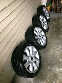 2006 mini cooper wheels and tires Rockville, 20852