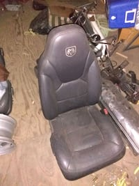 Dodge ram leather bucket seats and console Dearborn, 48124