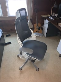 UPLIFT Pursuit Ergonomic Office/Desk Chair Arlington, 22203