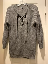Aire Brand sweater size small Fairfax, 22031