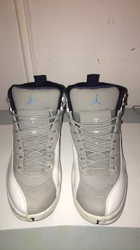 pair of gray Air Jordan basketball shoes New York, 11209