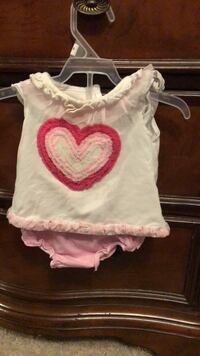 2 pc set of panty and shirt Kitchener, N2R 0A6