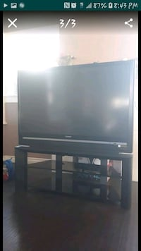A Sony big screen with TV stand glass 91766, 91766