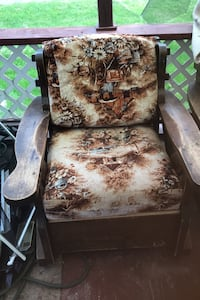 One rocking chair and one regular chair for $40 for both Ottawa, K0A 1V0