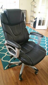 black leather office rolling armchair Triangle, 22172