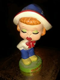 VINTAGE DUTCH GIRL BOBBLE HEAD 6IN TALL