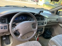 Toyota - Sienna - 2001 Capitol Heights