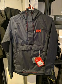 B.N.W.T  Helly Hanson Loke Packable Anorak jacket