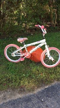 toddler's white and pink bicycle Elgin, 60120