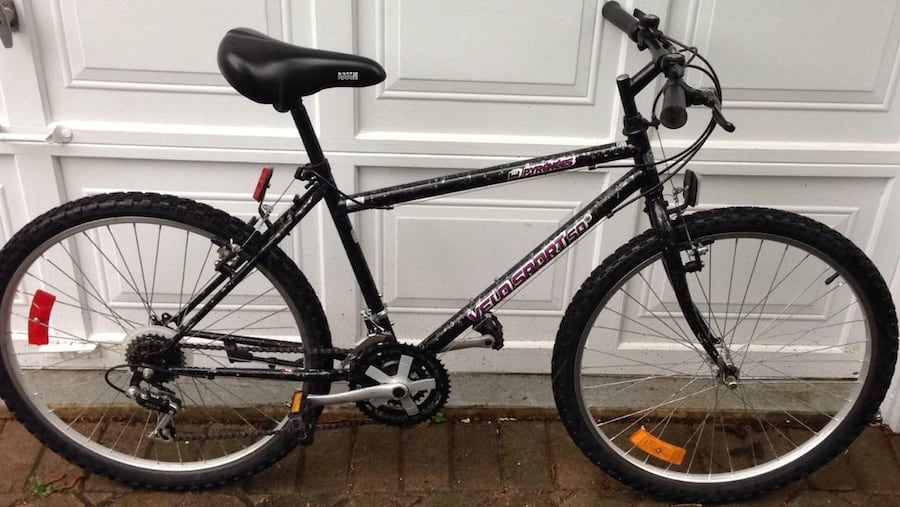18-SPEED MOUNTAIN BIKE (EXCELLENT CONDITION) c3a8ffce-ff43-4ae5-aa91-821d85afa000
