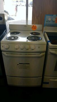 Hotpoint new electric stove in great condition  Randallstown