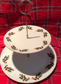 Fine Vintage china Holiday Holly cupcake cookie stand San Marcos, 92069