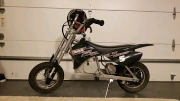 Razor electric bike with helmet and charger