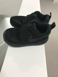Kids Nike shoes, size 7C