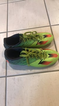 Soccer cleats men's, used, size 10,5