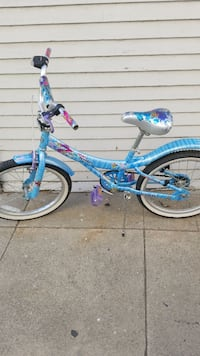toddler's blue and pink bicycle Long Beach, 90813