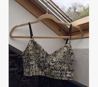 Lovely gold and back crop top/bralet null