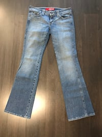 Ladies Guess Jeans - Size 30 536 km