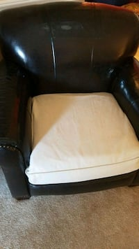 2 Club Chairs - Holiday Seating Irvine, 92614