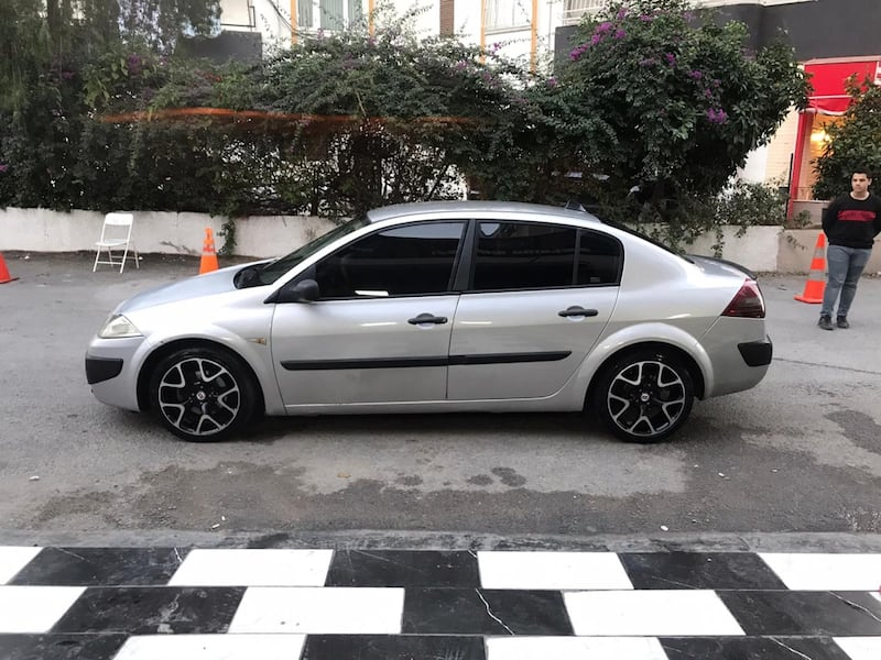2010 Renault Mégane II 1.6 16V AUTHENTIQUE BUSINESS e396c79b-5a16-407e-96f4-6a6c7c73c730