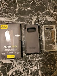 2 Samsung S10+ cases and screen protector otter box
