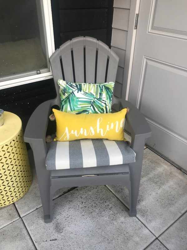 Patio furniture - table and chairs a638775a-bece-454d-bcfa-b0fef7ad2287