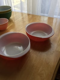 Vintage Pyrex casserole dishes 15. Each Mount Holly, 08060
