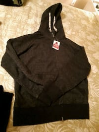 Authentic brand new roots sweater Hamilton, L8K