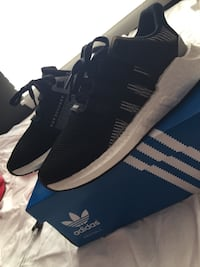 Pair of black adidas low-top sneakers with box Olympia, 98513