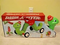 Radio Flyer Inchworm Ride On (New)
