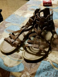 pair of brown leather open-toe sandals Martinsburg, 25401