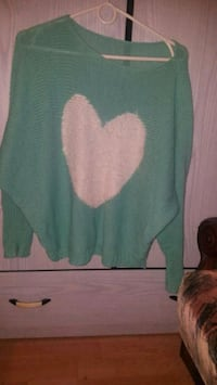 women's green and pink sweater Reading