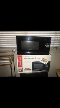 black and gray microwave oven Moreno Valley, 92553