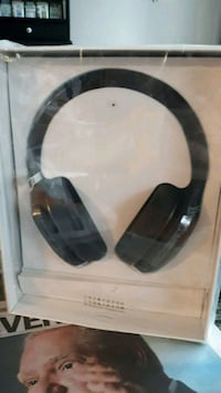 Bluetooth Headphones  Toronto, M4A 1K7