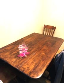 Kitchen table with 4 chairs NEED GONE NOW CAN DELIVER IF NEARBY FOR GAS