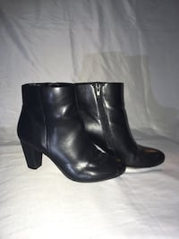 Women black small boots Vancouver, V5N 3M9