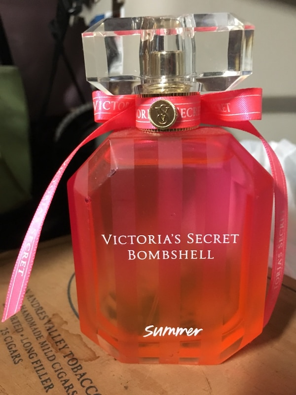 0d8ff5b2d75 Used Victoria s Secret Bombshell Perfume for sale in Chattanooga - letgo