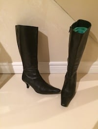 Leather knee-high boots  Stoney Creek, L8E 4E2