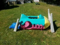 blue, pink and yellow plastic slide(rocketship) Welland, L3C 4M8