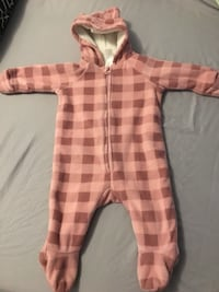 baby's pink and white plaid footie pajama Montréal, H4V 1X7