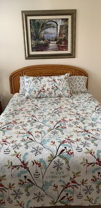 white and red floral bed comforter Leesburg, 20175