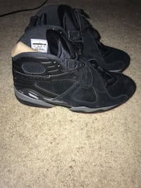 Pair of black air jordan 8's Galion, 44833