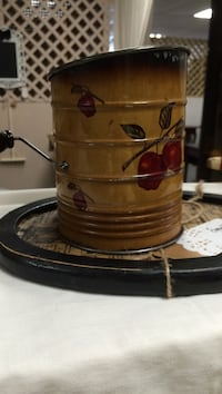 red apples brown metal container Boonsboro, 21713