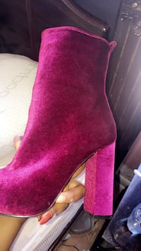 Red velvet booties lace boot BRAND NEW Montréal, H8S 1K2
