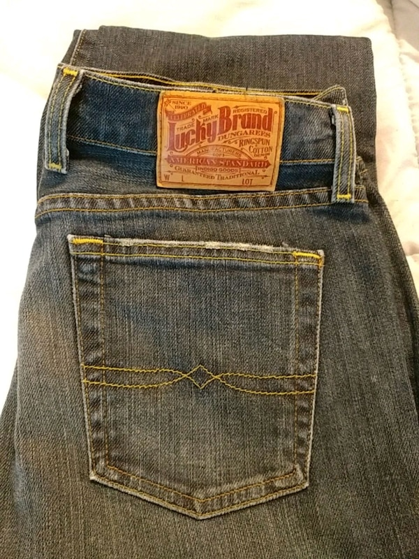a260e5f71fe7 Used Juniors Lucky Brand jeans