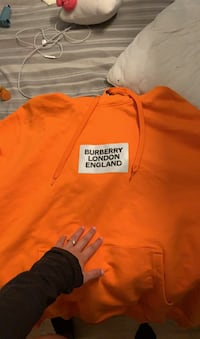 Burberry hoodie limited ! New York, 10459