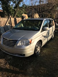 2009 Chrysler Town & Country Limited Baltimore