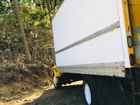 2005 internacional 4300 box truck 26ft with fully functional lift gate has 343,000 miles runs lik new just got an oil change 1 week ago ready for work it's currently parked with no insurance since last week I'm no longer in the trucking business come take Danbury, 06811
